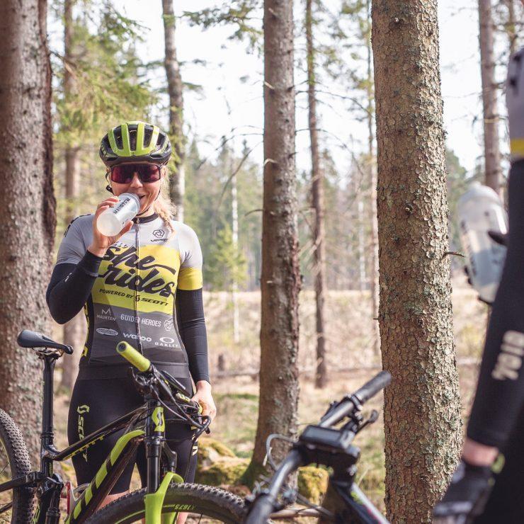 Sara Oberg and Ingrid Kjellström Elite XC MTB riders for Team She Rides training in Ulrhicehamn, April 2019
